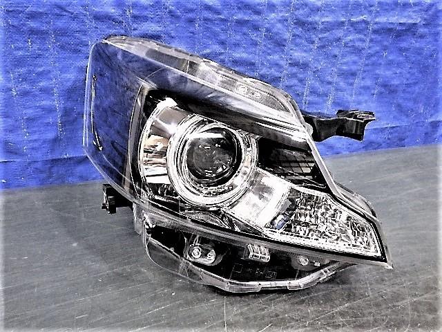 3686 スペーシアカスタム MK32S XSリミテッド 右ライト HID 1872 35100-81M70 美品_画像1