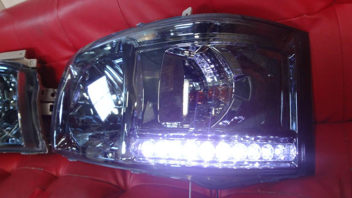 1000円スタート【限定1点】200系 ハイエース 1型 2型 ヘッド ライト ホワイト LEDライン付 レンズ青色_画像5