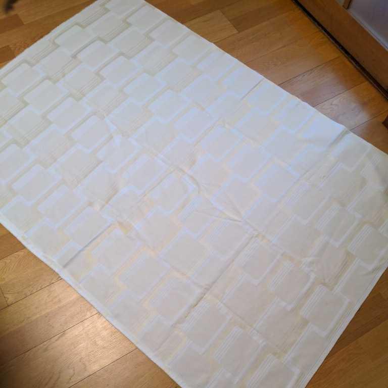 ★生地★ ハギレ 模様あり オフホワイト系 サイズ約152×106cm 自宅保管品