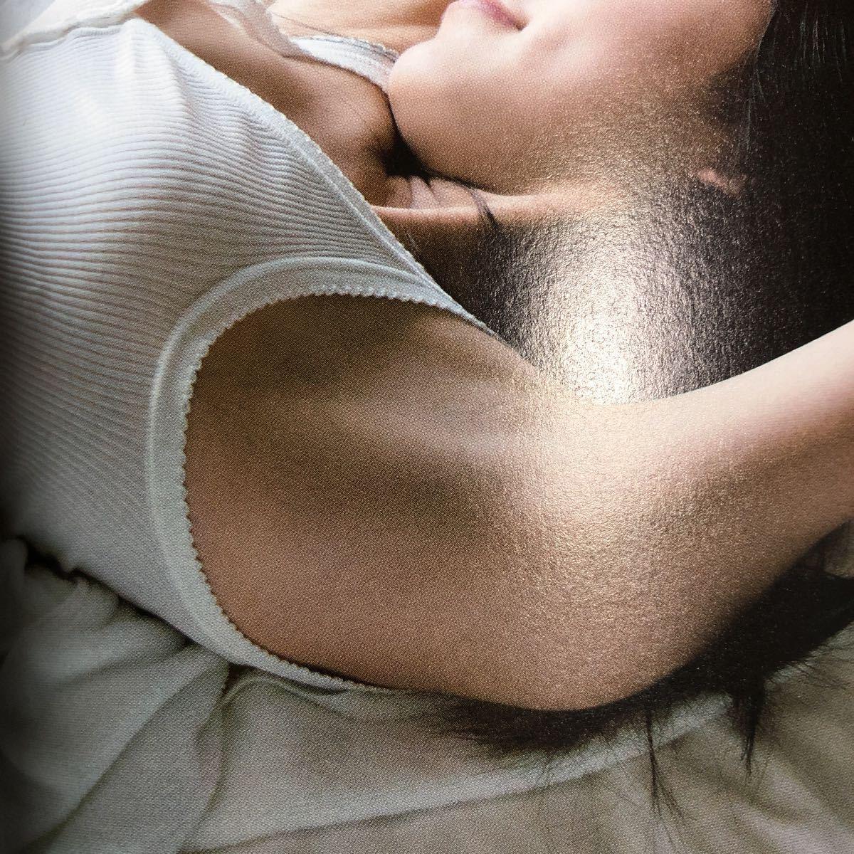 松井珠理奈 ファースト写真集 Jurina 初版 特典ポスター・帯付き 美品 SKE48 制服 女子高生 アイドル 絶対領域 水着 下着 美乳 美脚 美尻_画像1