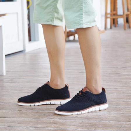 ☆新品 軽量ソフト男性スニーカーシューズ通気性の男性の靴フラッツ カジュアルニットメッシュメンズ靴固体浅いレースアップ_画像7