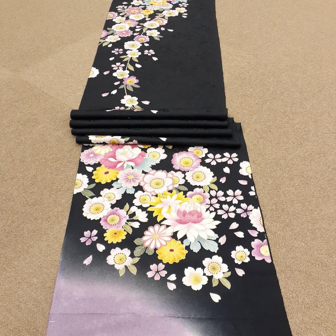 正絹 32201 振袖生地 黒 紫 ぼかし 桜 菊 シルク はぎれ ハギレ リメイク ハンドメイド