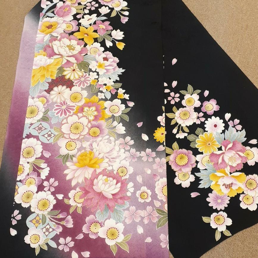 正絹 31852 振袖生地 黒 花柄 桜 菊 シルク はぎれ ハギレ リメイク ハンドメイド