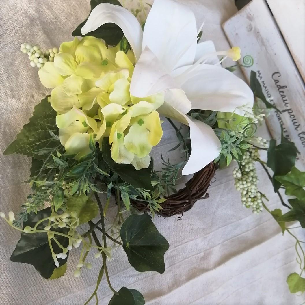◆エレガントな大輪のカサブランカのリース◆アーティフィシャルフラワー・造花・壁掛けリース◆花倶楽部_画像3