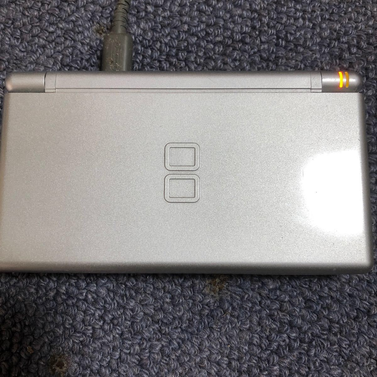 ニンテンドーDS Lite (グロスシルバー)