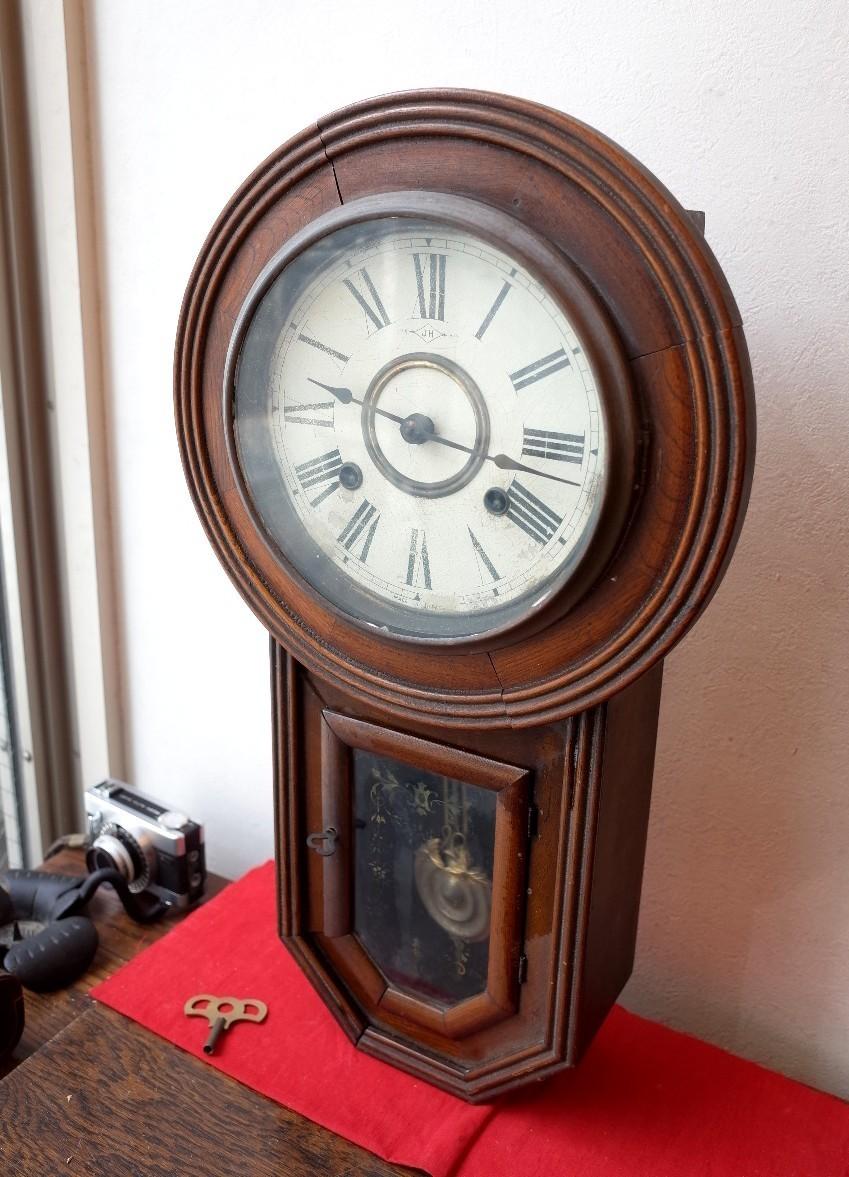 ○手巻き アンティーク振り子時計 日本製 可愛い木製デザイン  古道具のgplus広島 2103k_画像1