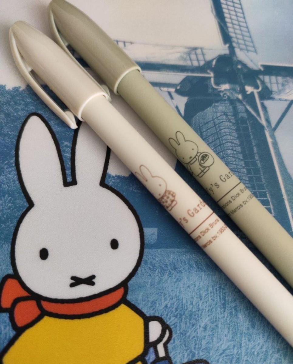 海外限定 ミッフィー 黒ボールペン 2本と替芯8本 セット