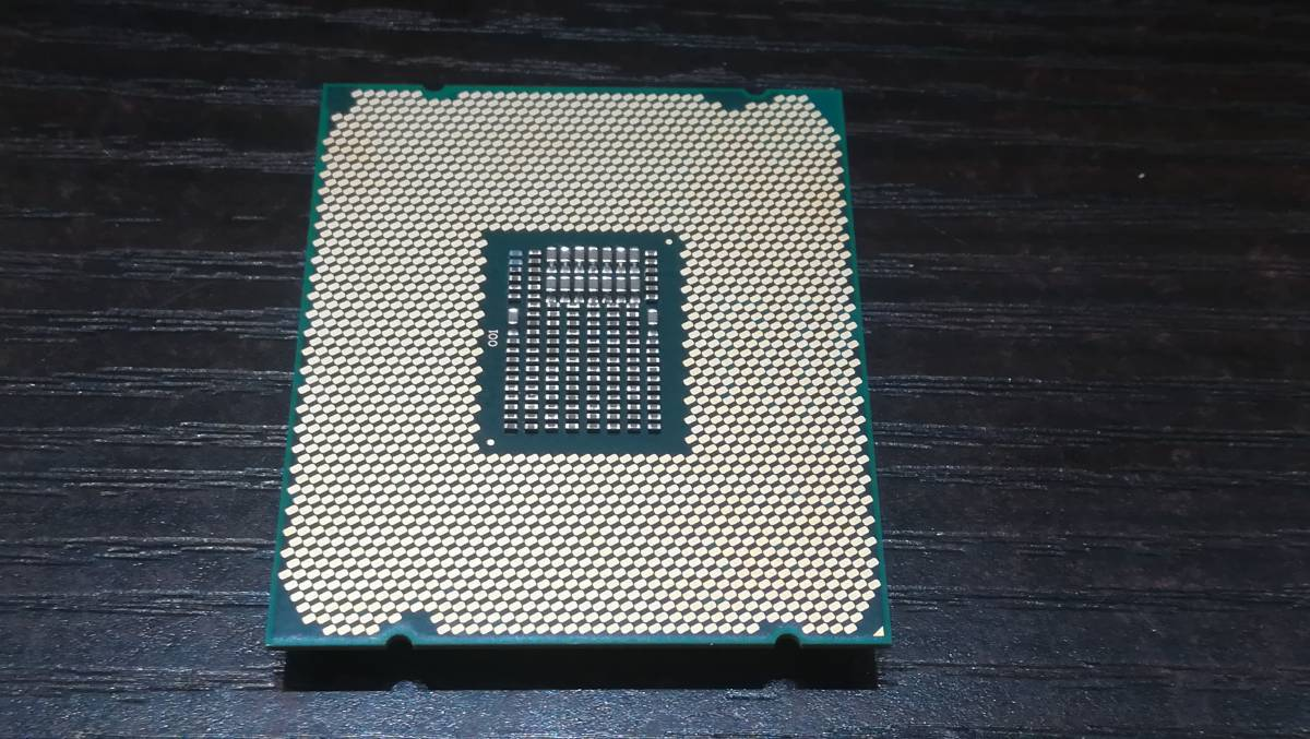 Intel インテル Xeon W-2104 SR3LH 3.20GHz LGA2066 CPU/動作品_画像3