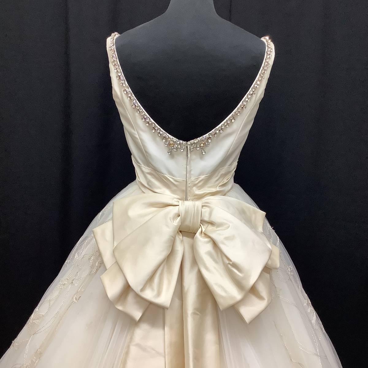 【GRACE CONTINENTALグレースコンチネンタル】9号★ミカドサテンに大きめビジュー レースのスカートも上質なドレス