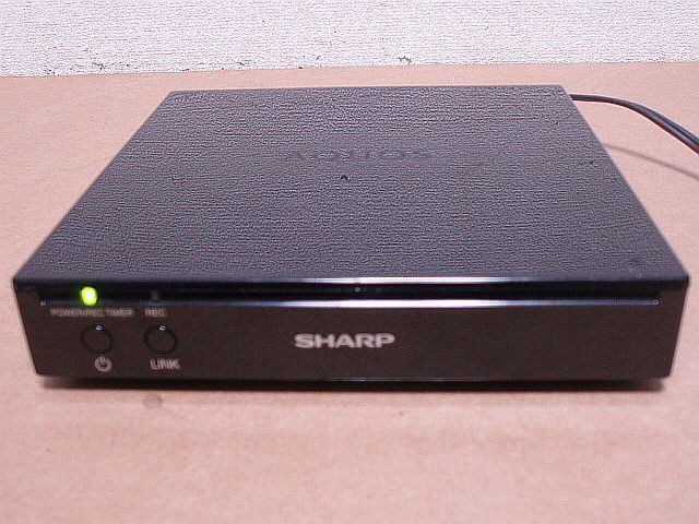 20F5 【高画質!録画!送料安!消費税無!】 20V型 地上/BS/CSデジタル液晶テレビ SHARP フリースタイルAQUOS LC-20F5 【訳有品】_【ご参考】チューナーは有料になります。
