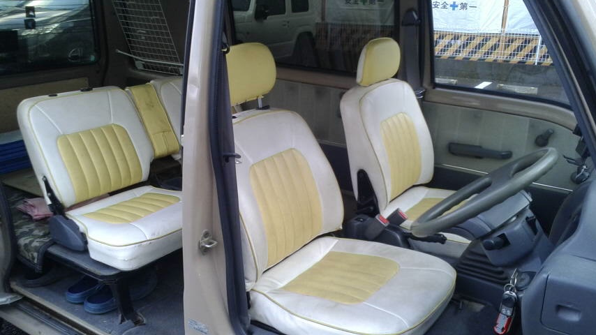 「旧車、レトロ 平成7年式 サンバークラシック 切り替え4WD!5速MTリアヒーター付き!」の画像3