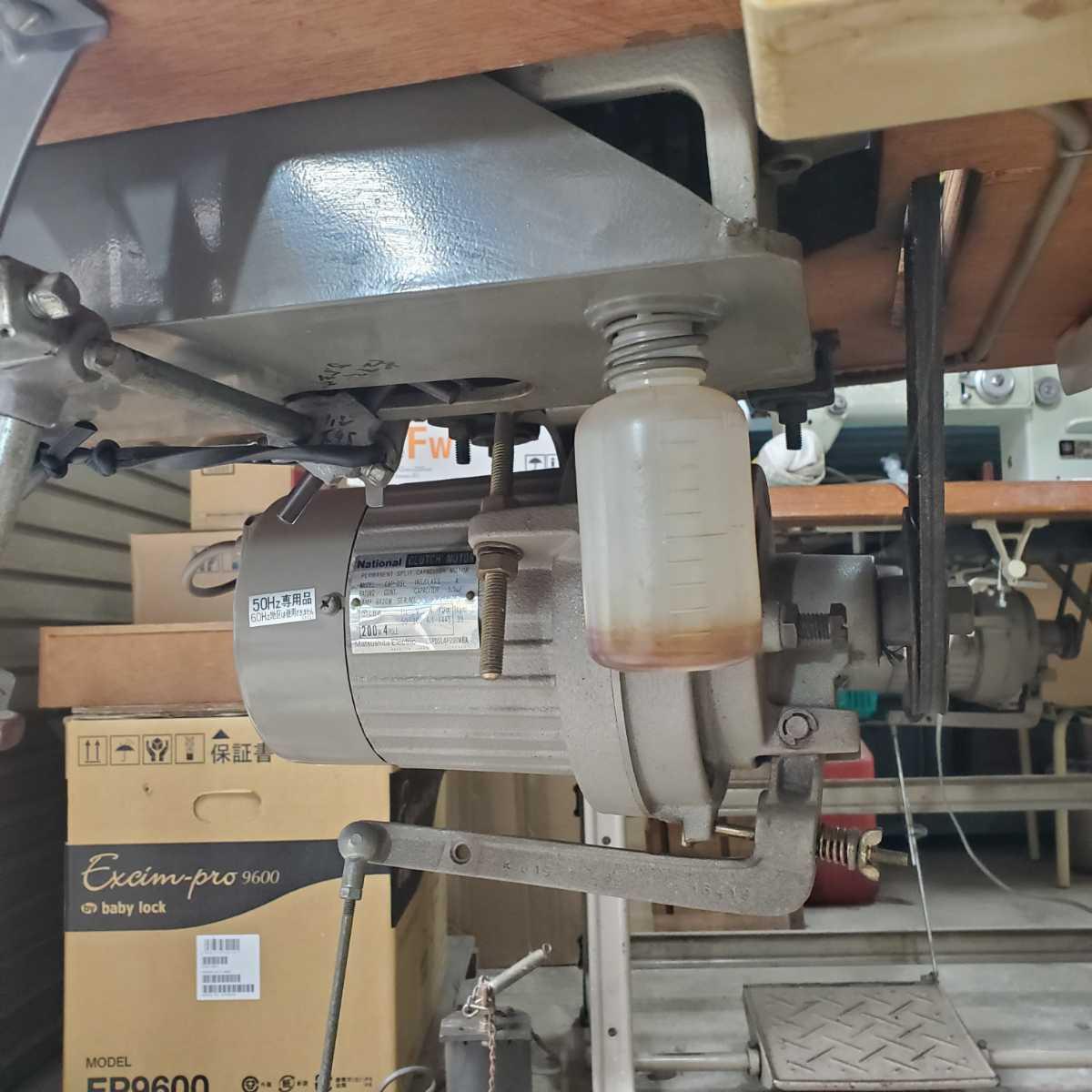工業用ミシン、革、レザー、テント、シート、その他厚物縫いミシン、三菱MITSUBISHI 上下送り倍釜ミシンDY-350 !整備済み品、綺麗!_画像8