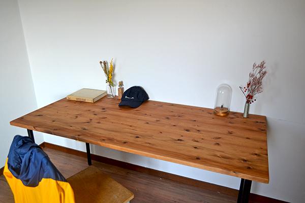 テーブル iron leg 150 鉄脚 アンティーク 大きい 什器 無垢 杉 鉄足 インダストリアル カフェ cafe アトリエ デスク _画像2
