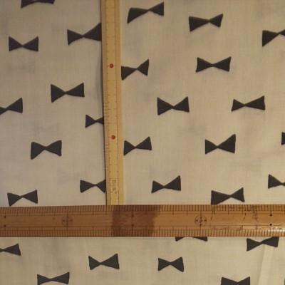 ダブルガーゼ生地 リボン柄 オフホワイトにブラック 生地巾約108cm×約50cm