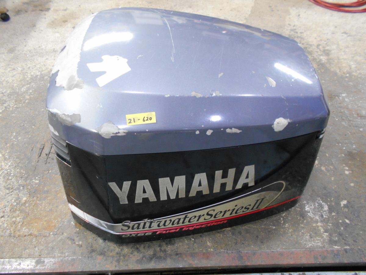 21-620 YAMAHA ヤマハ船外機用 2スト 250馬力船外機用 エンジンカウル/トップカウル 中古品_画像1