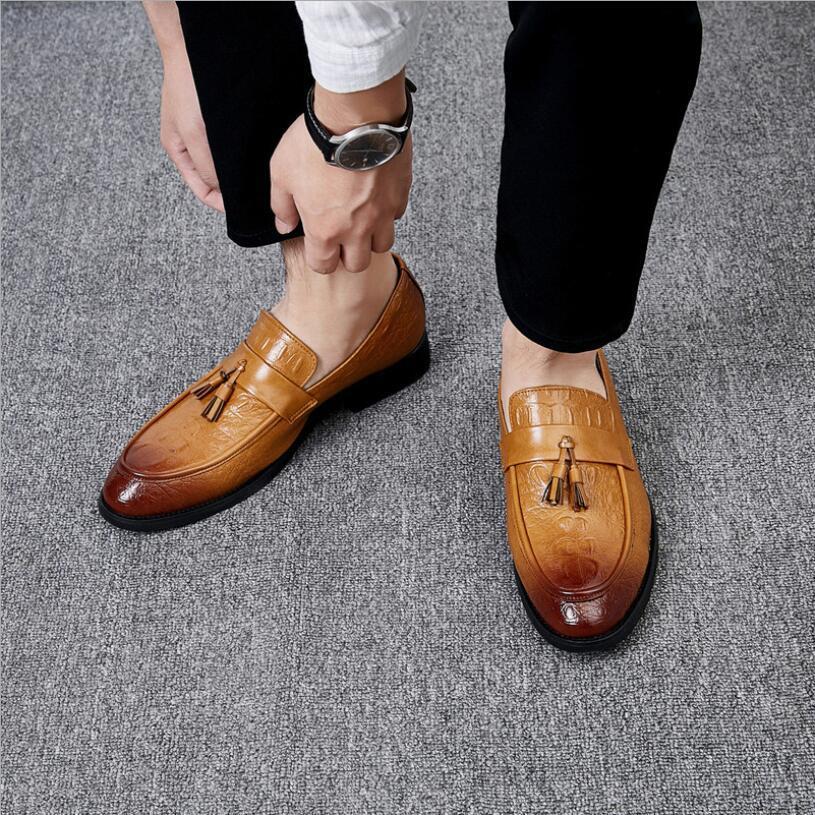 タッセルローファー ビジネスシューズ メンズ 紳士靴 シューズ カジュアル ワニ柄 スリッポンドライビングシューズ ブラウン 上質_画像2