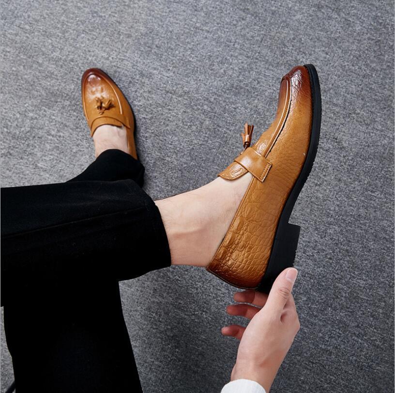 タッセルローファー ビジネスシューズ メンズ 紳士靴 シューズ カジュアル ワニ柄 スリッポンドライビングシューズ ブラウン 上質_画像1