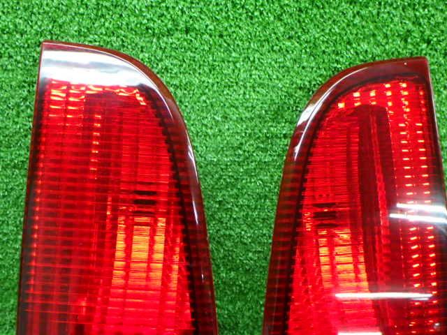 フォード 型式 年式不明 ナビゲーター 内 テールレンズ 左右セット 210326139_画像2