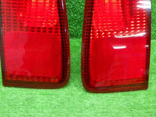 フォード 型式 年式不明 ナビゲーター 内 テールレンズ 左右セット 210326139_画像3