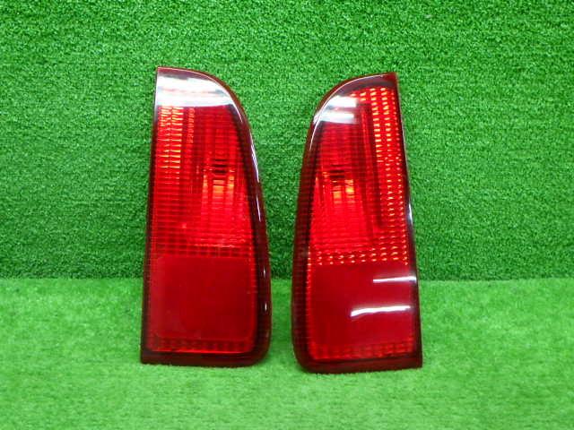 フォード 型式 年式不明 ナビゲーター 内 テールレンズ 左右セット 210326139_画像1