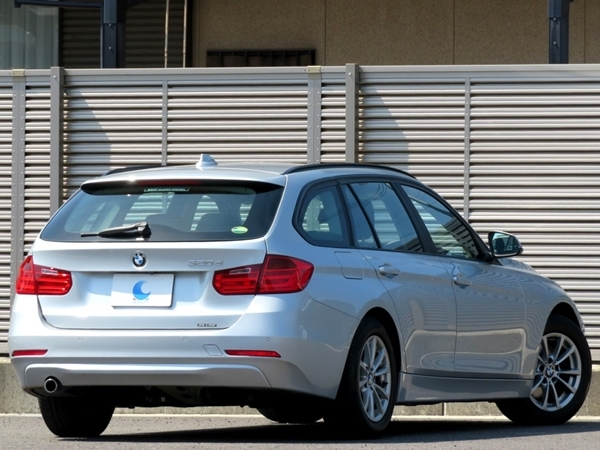 「BMW 320d ツーリング ディーゼルモデル 内外美車/不具合&修復歴無し/車検R5年9月【HDDナビ&MUSIC/ブルートゥース/USB/ETC/Bカメラ/HID】」の画像2