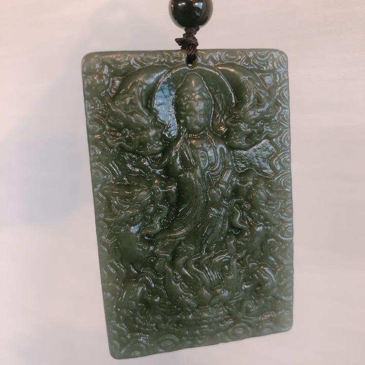 パワーストーン 天然石 御守り 翡翠 和田玉 ネフライト 軟玉 彫刻 仏像