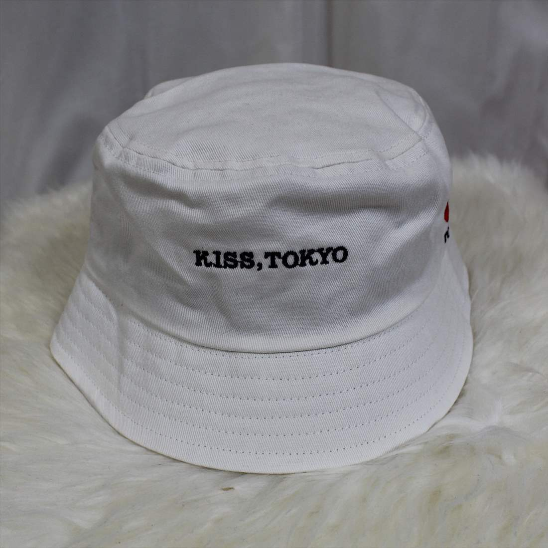 KISS TOKYO LIP LOGO HAT ロゴ刺繍 ホワイト ハット 新品 白 帽子_画像1