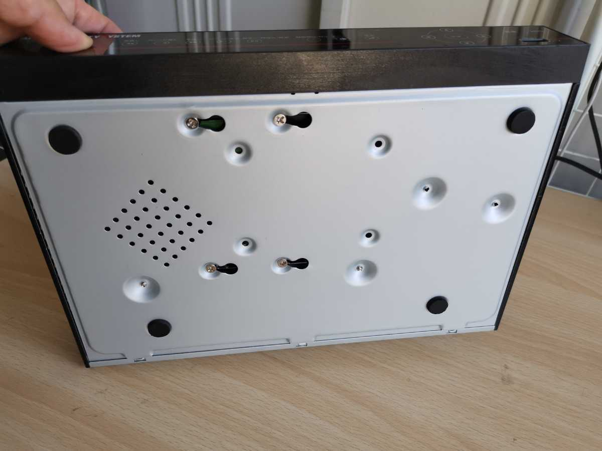 日本防犯システム JAPAN SECURITY SYSTEM 4ch デジタルレコーダー PF-RN004AHD 通電のみ ジャンク扱い 部品取り 現状販売_画像9