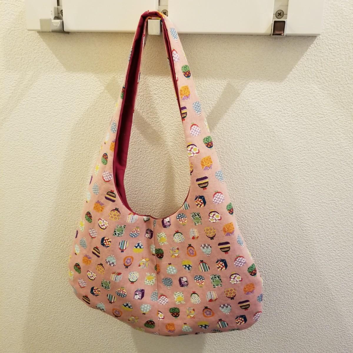 ハンドメイドのワンショルダーバッグ がま口柄 ちょっとしたお出掛けに小さなハンドバッグ ハンドバッグ