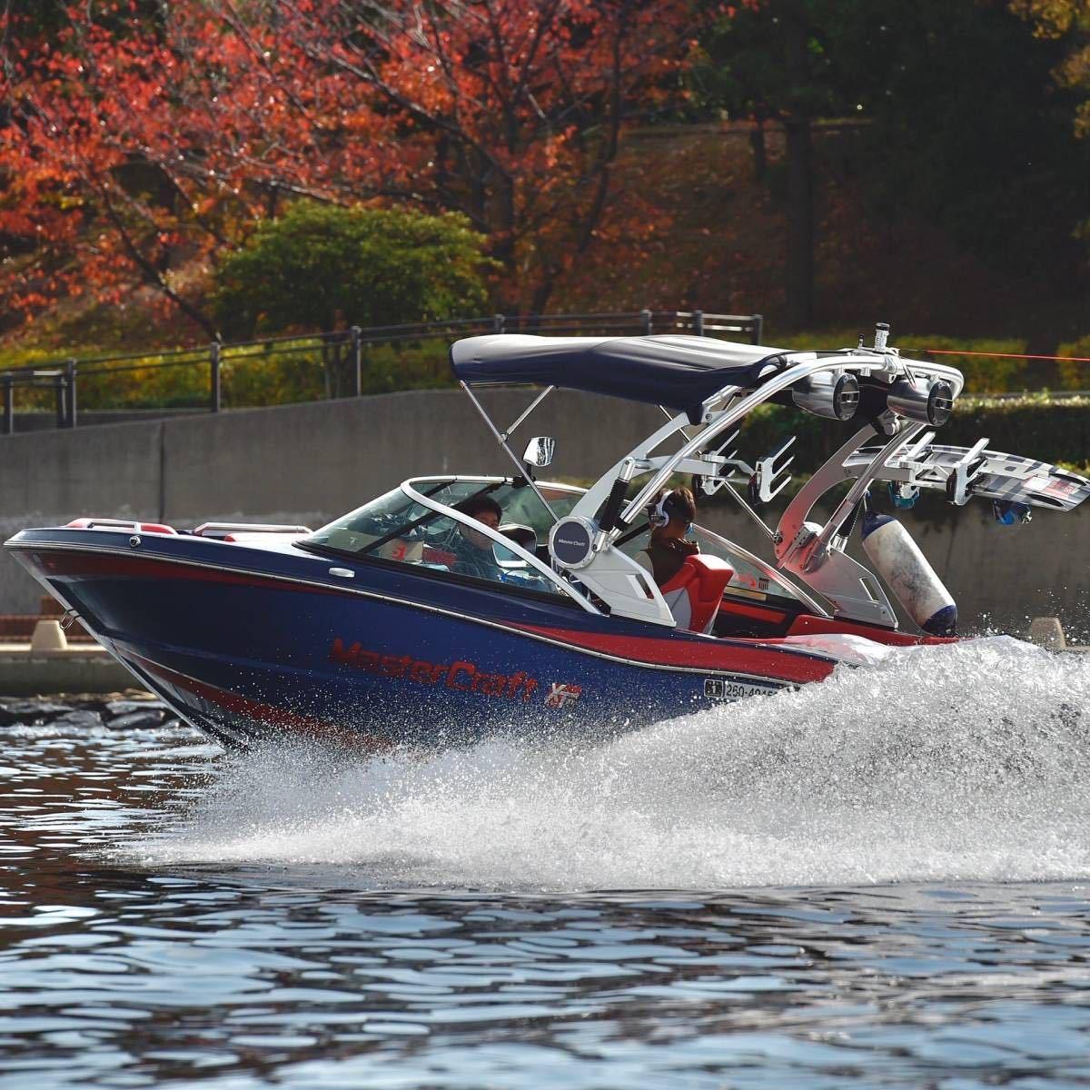 「マスタークラフト(Master Craft)XT21 アメリカ製 ボート プレジャーボート ウェイクボード ウェイクサーフィン マリンスポーツ」の画像1