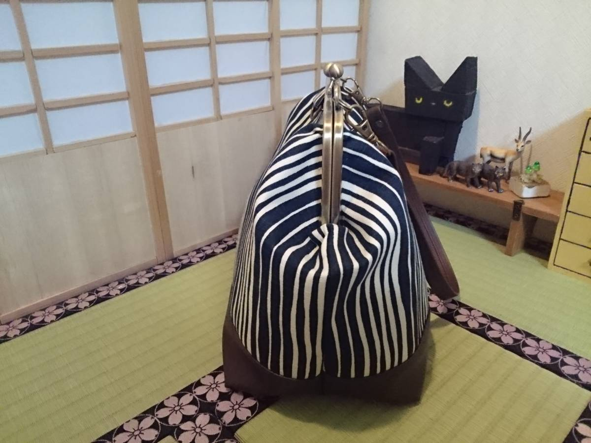 和柄 縦縞 縞 クリーム ハイカラ オシャレ 日本 がま口 3way ショルダー バッグ ハンドメイド 手提げ 斜めかけ 和装 着物 長財布 入ります