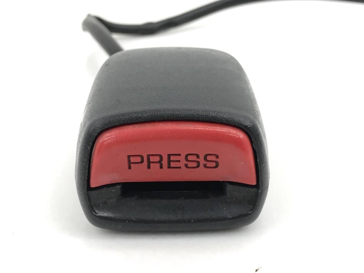 _b56627 ダイハツ MAX RS マックス LA-L952S シートベルト キャッチ 受け 右 運転席側 F/RH FAS1 L950S L960S L962S_画像2