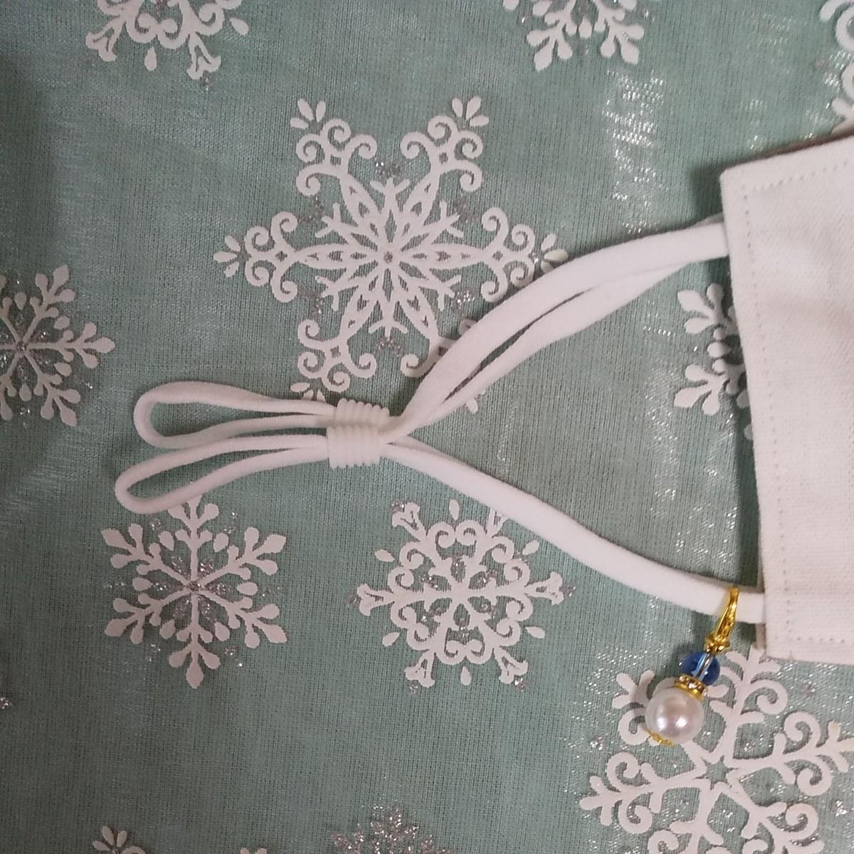立体インナーハンドメイド、綿麻、ガーゼ、チュール刺繍レース(ホワイト×藍色×花柄)(大きめサイズ)アジャスター付、チャーム付