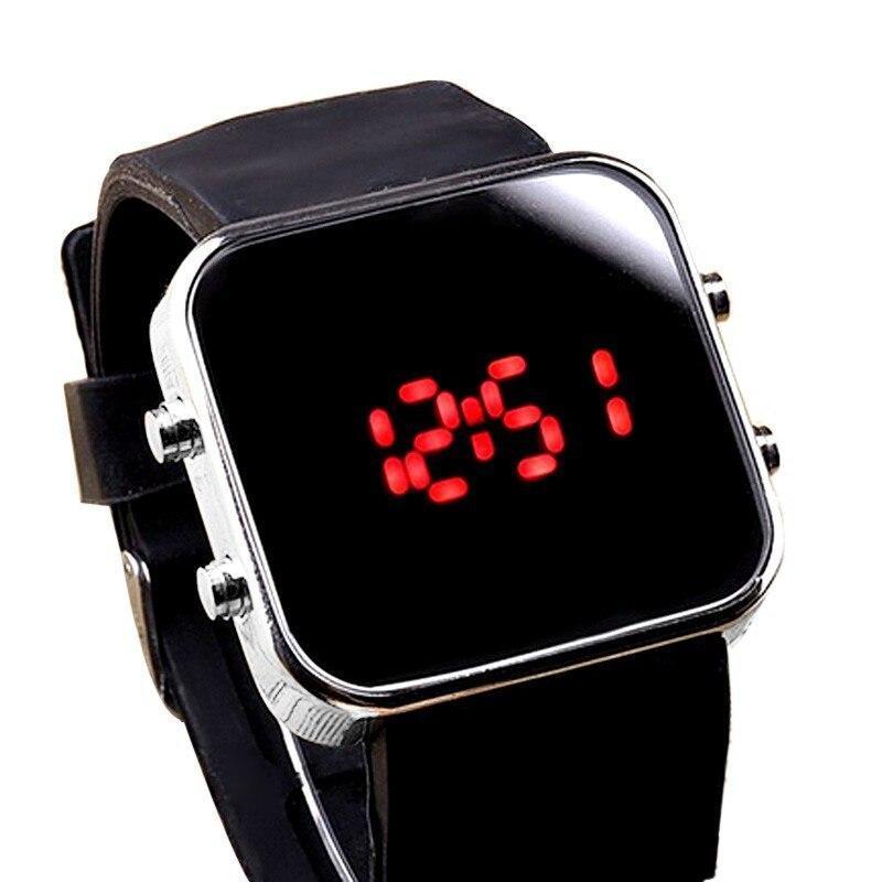 ★1円スタート ★メンズ腕時計 LED デジタル腕時計 スポーツ腕時計 防水 228_画像1
