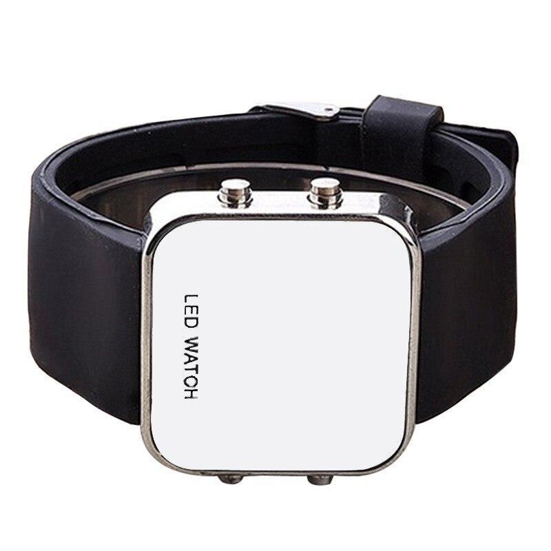 ★1円スタート ★メンズ腕時計 LED デジタル腕時計 スポーツ腕時計 防水 228_画像3