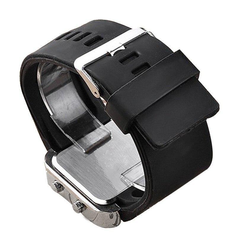 ★1円スタート ★メンズ腕時計 LED デジタル腕時計 スポーツ腕時計 防水 228_画像4