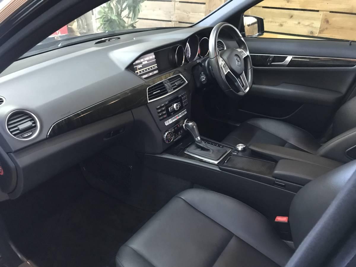 「希少フルレザー 車検R5.6 走行3.8万km コーティング済 W204後期 ベンツ Cクラス ワゴン アバンギャルド AMGスポーツPKG 内外装仕上済!」の画像3
