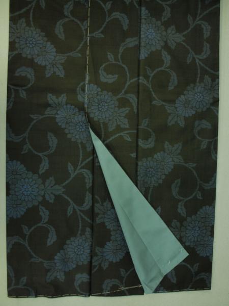 新品 0091 お仕立て上がり 特選『本場大島紬』旗印 純泥染 黒/藍色 _画像5