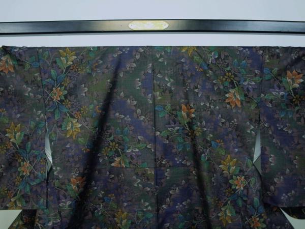 新品 0090 お仕立て上がり 特選『本場大島紬』純泥染 旗印 黒/こげ茶_画像2