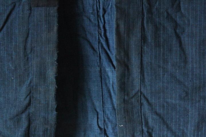 TB526木綿製 古布 半纏 藍染◇着物/和服/上着/時代/襤褸/古裂/リメイク素材/boro/裁縫/和裁/手芸/布地/古着/古民具/古道具タグボート_画像4