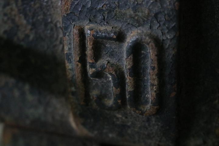 TB526重厚 バイス 万力 40.5kg◇工業系/アイアン/鉄製/什器/ディスプレイ/ウェイト/アンビル/インダストリアル/工具/古道具タグボート_画像3