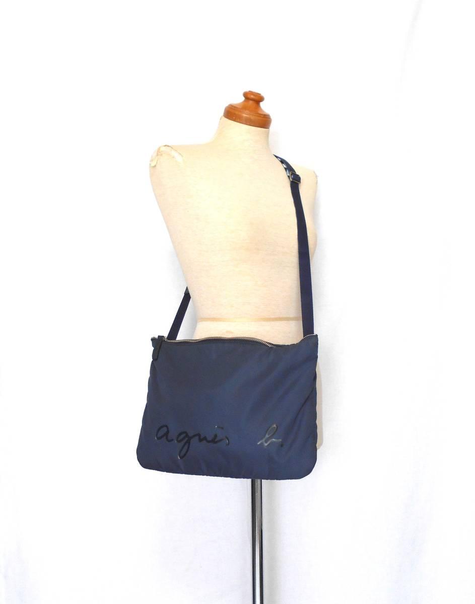 〔美品 送料無料!〕 agnes b. VOVAGE アニエスベー ナイロン ロゴ ななめがけ ショルダー バッグ ( 日本製 ボヤージュ 紺 カバン 軽量 )