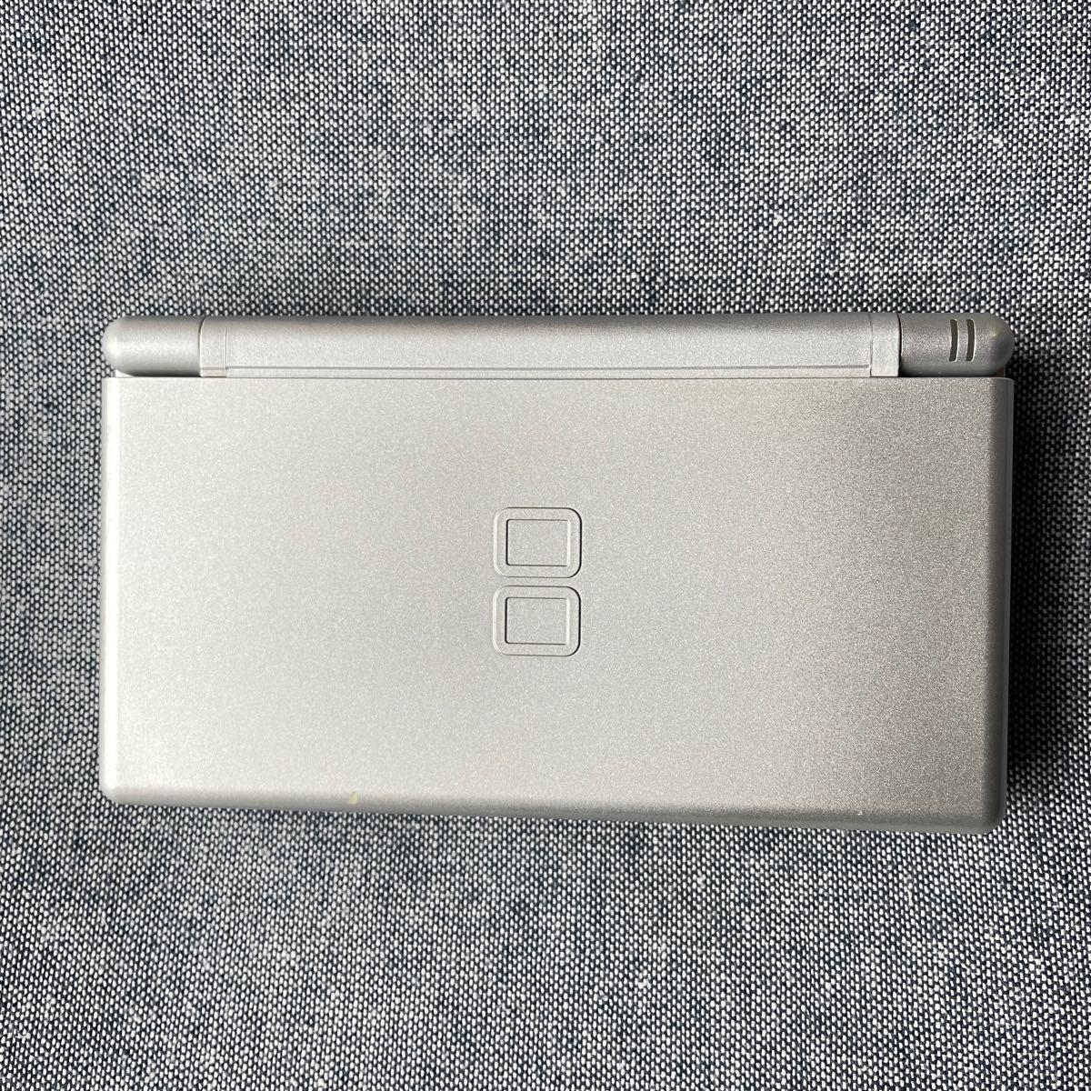 ニンテンドーDS Lite (グロスシルバー)本体【箱・袋・充電器・タッチペン・説明書あり】