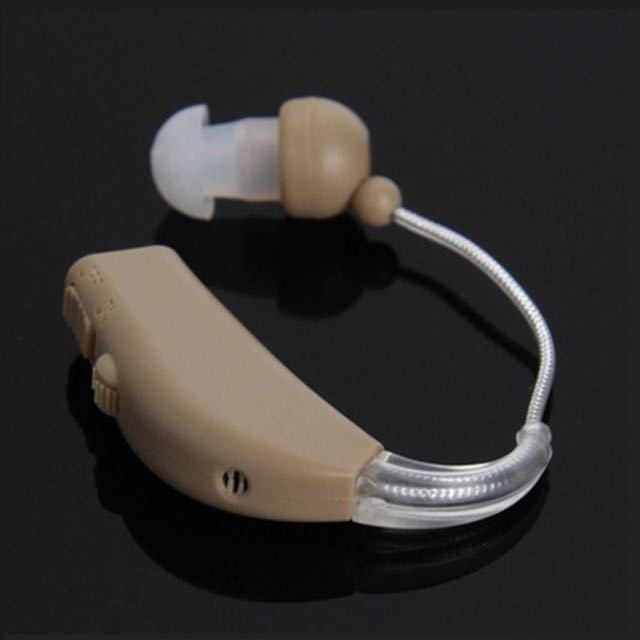 【】耳かけ 充電式 肌色 イヤホンキャップ 大小 多種 軽量 デジタル 小型 集音器 左右 両用 740_画像3