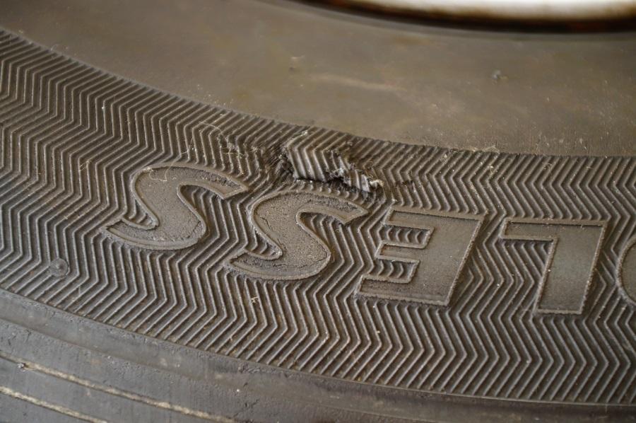 トヨタ純正スチールホイール 6JX15 ブリヂストン 2017年製 VL1 195/80R15 4本セット ハイエース用 税込 送料格安 宮城県名取市_傷有(1本)