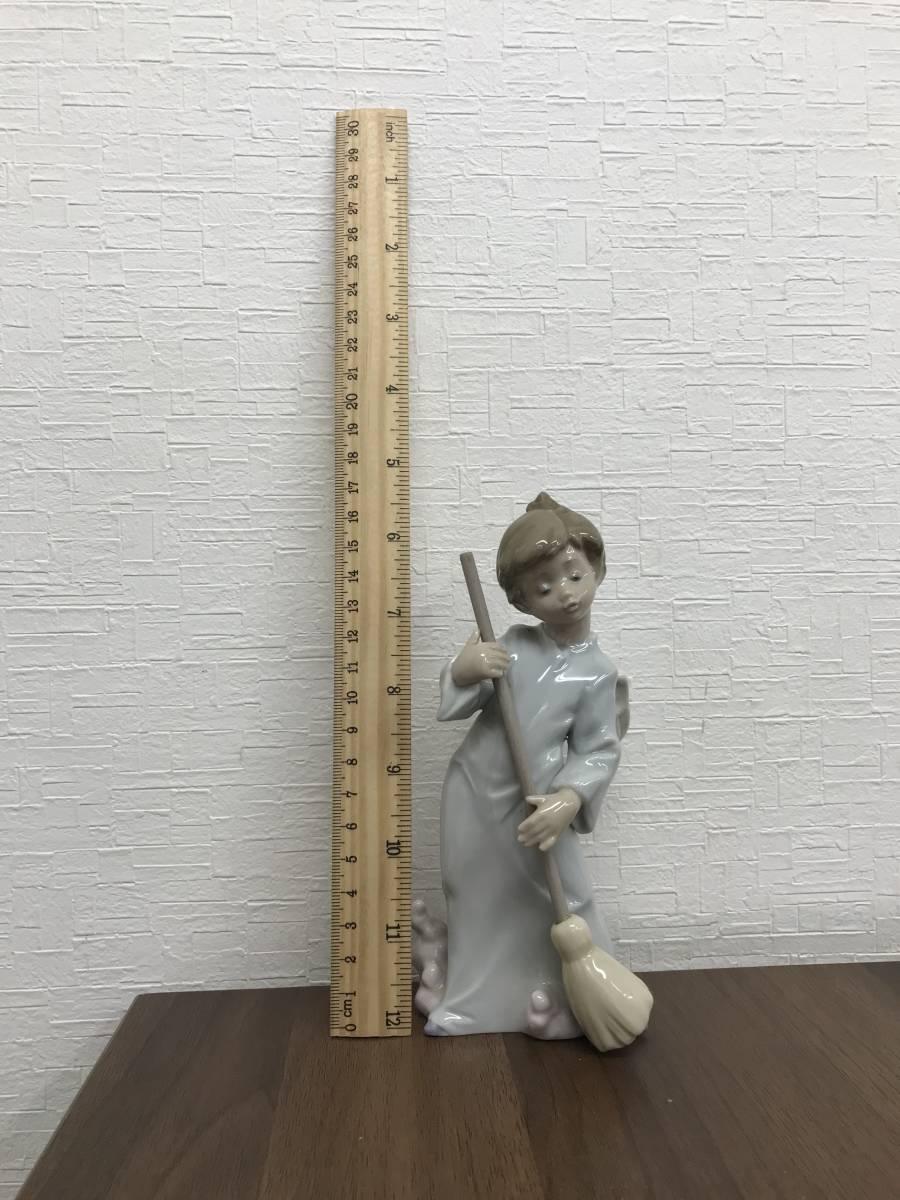 M864 リヤドロ LLADRO フィギュリン 可愛い天使(雲を払う)廃盤品 陶器人形 ビンテージ 置物 インテリア 陶磁器 高さ約17㎝_30cm定規とサイズ比較