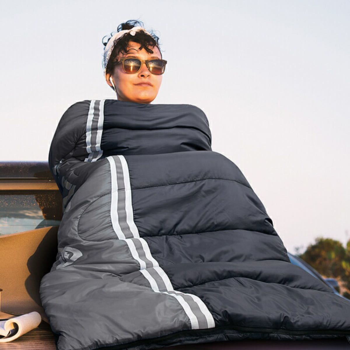 寝袋 シュラフ 封筒型 軽量 保温 210T防水 コンパクト アウトドア キャンプ 丸洗い可能 快適温度5℃〜15℃ 1.8kg