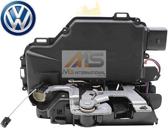 【M's】VW ルポ(6X) ゴルフ4/ボーラ(1J) ニュービートル(9C)純正品 フロント ドアロック アクチュエーター(右側)/6X2-837-014C 6X2837014C_画像1