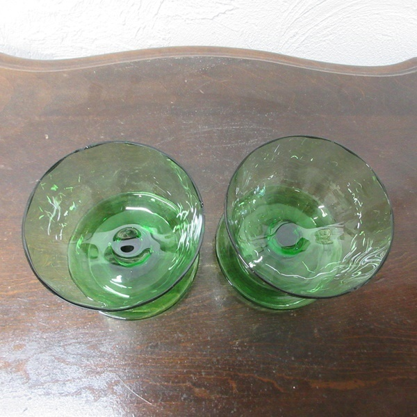 イギリス インテリア雑貨 ガラス製 ペア デザートグラス アイスクリームグラス グリーンガラス 器 ディスプレイ 英国 glass 1585sa_画像3