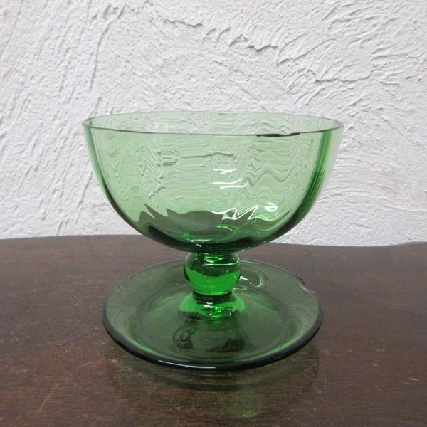 イギリス インテリア雑貨 ガラス製 ペア デザートグラス アイスクリームグラス グリーンガラス 器 ディスプレイ 英国 glass 1585sa_画像4